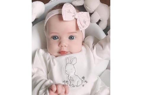 Kinder geboren nach der Behandlung IVF